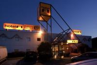 hotels Laval Hotel F1 Laval