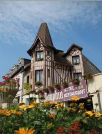 Hôtel Le Château d'Almenêches Hotel Le Dauphin
