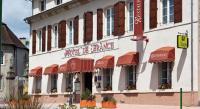 Hôtel Montvicq Sas Hotel De France