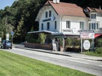 Hotel Kyriad Aix les Bains mamie jane