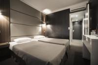 Hotel F1 Cannes Hotel Schtak