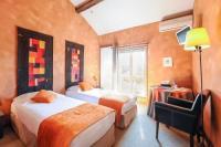 hotels La Crèche Les Glycines