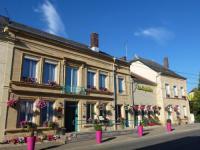Hôtel proche Gare de Donchery Donchery hôtel Logis La Sapinière