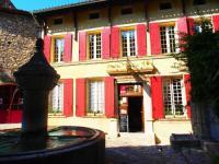 Hôtel Roaix hôtel Hostellerie Le Beffroi, The Originals Relais (Relais du Silence)