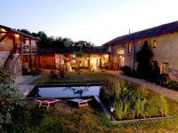 La-Pierre-Folle-Chambres-d-Hotes Cluny