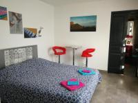 Chambre d'Hôtes Jard sur Mer Chambre double, salle d'eau et wc privatifs, 20m2 dans dépendance 1km plage