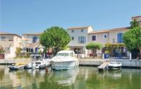 gite Saintes Maries de la Mer Three-Bedroom Holiday Home in Aigues-Mortes