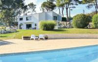 Gîte Fontvieille Gîte Three-Bedroom Holiday Home in Allauch