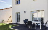 gite L'Aiguillon sur Mer Amazing home in Angles w WiFi and 3 Bedrooms