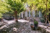 gite Saint Rémy de Provence Maison XIXe et Jardin en Intramuros