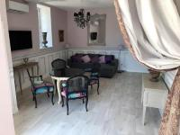 gite Avrillé les Ponceaux Cottage du chateau for 4 people - 90 m²- 2 bedrooms - 2 bathrooms - pool