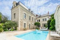 gite Saulgé l'Hôpital Bagneux Chateau Sleeps 8 Pool Air Con WiFi