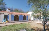 gite Flayosc Four-Bedroom Holiday Home in Bagnols en Foret
