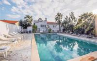 gite Millas Nice home in Baixas w WiFi, Outdoor swimming pool and 4 Bedrooms