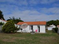 gite Châteauneuf HOUSE 5 personnes Location de vacances pour 5 personnes dans le centre de Barbâtre à Noirmoutier.