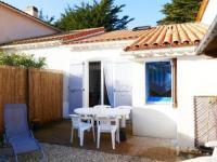 gite Les Moutiers en Retz HOUSE 6 personnes A Barbâtre sur l'île de Noirmoutier, maisonnette avec accès direct et privatif vers la plage.