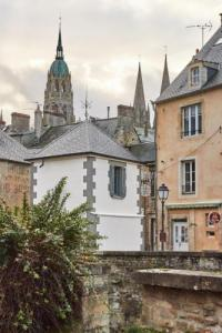 gite Saint Vaast sur Seulles La Plus Petite Maison De France