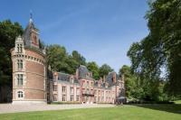 gite Talmontiers Bazincourt-sur-Epte Chateau Sleeps 24 Pool WiFi