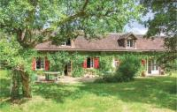 gite Dame Marie les Bois Four-Bedroom Holiday Home in Beauchene