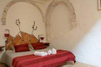 gite Arles Ancienne Abbaye de Franquevaux Grand Large