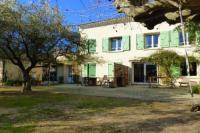 gite Mollégès Maison de vacances 120 m² au milieu des Oliviers