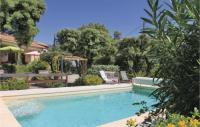 gite Cabannes Three-Bedroom Holiday Home in Bedarrides