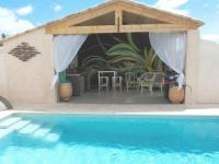 gite Montbrun des Corbières Holiday Home offeing Greenery and Private Pool