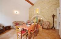 gite Mornas Beautiful home in Bollène w Outdoor swimming pool, WiFi and Outdoor swimming pool