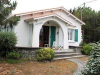 gite L'Île d'Olonne House 250 m de la plage, belle villa familiale de type 5 avec jardin clos / 10 personnes le marais girard