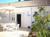 gite Talmont Saint Hilaire House 300m env. plage, coquête petite maison de vacances des années 50 / 5 personnes