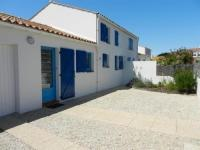 gite Bretignolles sur Mer House 700m plage, 1200m centre ville, maison de 3 chambres, bien tenue, avec patio dallé, 6 personnes.