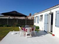 House Proche mer, maison de type 4 avec jardin clos 1-House-Proche-mer-maison-de-type-4-avec-jardin-clos-1