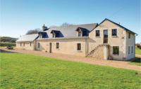 gite Thoiré sur Dinan Four-Bedroom Holiday Home in Broc
