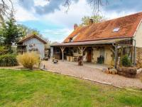 gite Chavenon Tastefully restored holiday home with a large garden in the Auvergne!