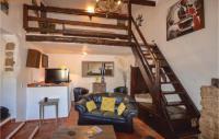 gite Grimaud Beautiful home in Cabasse w Outdoor swimming pool, Outdoor swimming pool and 3 Bedrooms