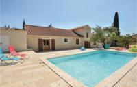 gite Le Grau du Roi Amazing home in Calvisson w WiFi, Outdoor swimming pool and 1 Bedrooms