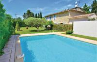gite Rognonas Amazing home in Carpentras w Outdoor swimming pool, WiFi and 3 Bedrooms