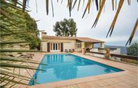 gite Grasse Four-Bedroom Holiday Home in Carros
