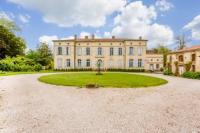 gite L'Isle en Dodon Castelnau-Picampeau Chateau Sleeps 17 Pool WiFi