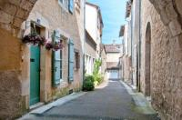 gite Cancon French townhouse with scenic views