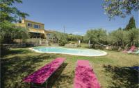 gite Saint Rémy de Provence Three-Bedroom Holiday Home in Caumont sur Durance