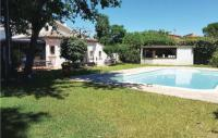 gite Agde Awesome home in Caux w Outdoor swimming pool, WiFi and 4 Bedrooms