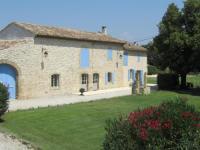 gite Saint Rémy de Provence Appartement dans mas provençal avec PISCINE