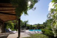 gite Bruniquel Belle maison de maître avec piscine et jardin au bord d'un village médièval