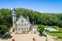 gite Avanton Cernay Chateau Sleeps 12 Pool