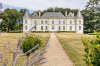 gite Avanton Cernay Chateau Sleeps 16 Pool WiFi