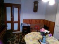 Gîte Vernines Gîte Maison Chambon-sur-Lac, 6 pièces, 6 personnes - FR-1-395-32