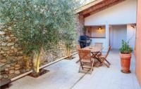 gite Truinas Nice home in Charols w WiFi and 3 Bedrooms