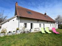 gite Sougy sur Loire Spacious Holiday Home near River in Charrin
