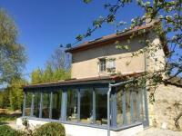 gite Marcillat en Combraille House with one bedroom in Charron with wonderful mountain view shared pool enclosed garden